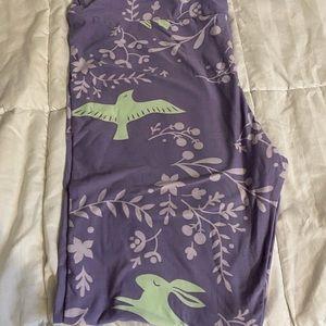Lularoe TC Tall & Curvy Easter bunny leggings purple green